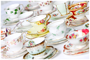 Lieschen und Ruth Vintage-Tassen leihen oder mieten